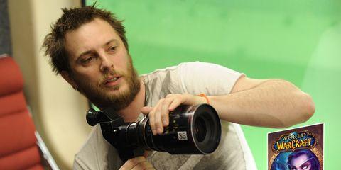 Arm, Single-lens reflex camera, Finger, Lens, Photographer, Digital camera, Mirrorless interchangeable-lens camera, Elbow, Digital SLR, Hand,