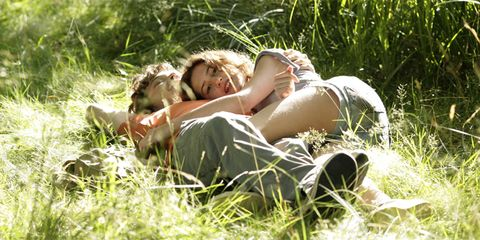 Human, Grass, Comfort, People in nature, Summer, Youth, Sunlight, Knee, Grass family, Meadow,