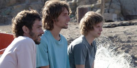 People, Hairstyle, People in nature, Youth, Brown hair, Surfer hair, Active shirt,