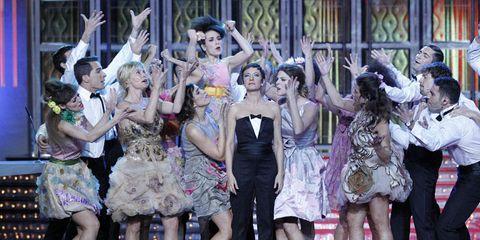 Entertainment, Performing arts, Dancer, Dress, Performance, Dance, Choreography, Performance art, Public event, Concert dance,