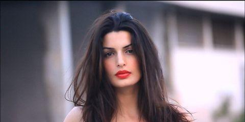 Mouth, Lip, Hairstyle, Chin, Shoulder, Eyebrow, Photograph, Eyelash, Fashion model, Beauty,
