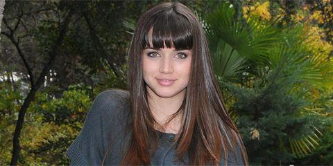 Nature, Lip, Brown, Hairstyle, Forehead, Eyebrow, Style, Bangs, Iris, Organ,