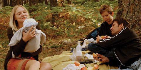 Human, Sharing, Meal, Dish, Cuisine, Conversation, Picnic, Dishware, Bottle, Wool,