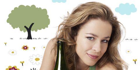 Lip, Hairstyle, Green, Forehead, Eyebrow, Bottle, Eyelash, Jaw, Glass bottle, Drink,