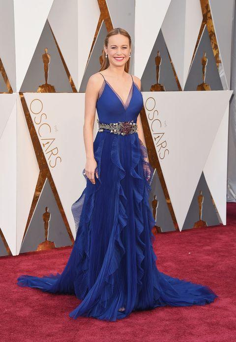 Dress, Flooring, Textile, Formal wear, Floor, Gown, Electric blue, Fashion, Carpet, Cobalt blue,