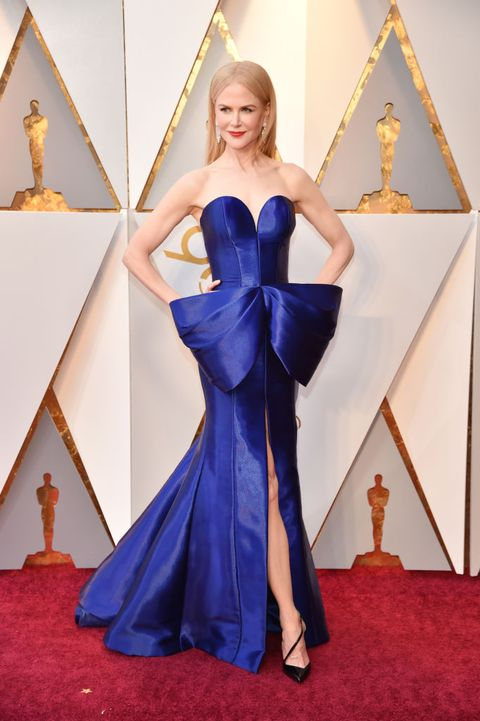 Red carpet, Cobalt blue, Carpet, Dress, Clothing, Gown, Flooring, Blue, Shoulder, Electric blue,