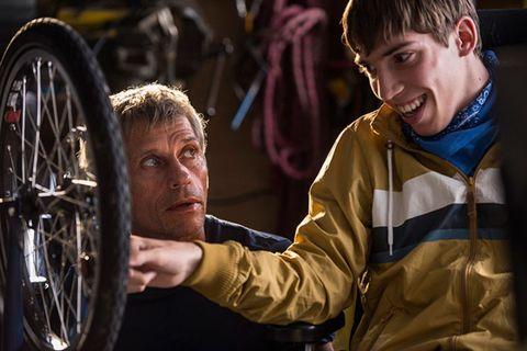Bicycle tire, Automotive tire, Rim, Spoke, Bicycle wheel rim, Auto part, Tread, Jacket, Automotive wheel system, Synthetic rubber,