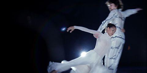 Performance art, Dancer, Concert dance, Gesture, Barefoot, Choreography, Drama, Dance, Balance, Ankle,
