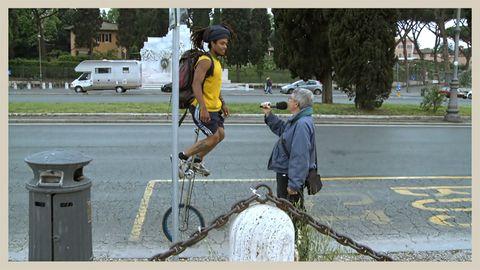 Bicycle tire, Bicycle frame, Bicycle wheel, Bicycle handlebar, Bicycle part, Helmet, Bicycle, Bicycle accessory, Bicycle fork, Bicycle drivetrain part,