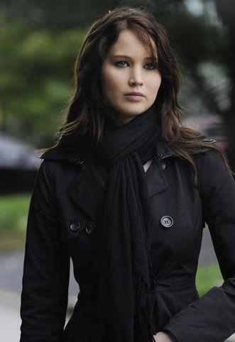Jacket, Hairstyle, Sleeve, Textile, Outerwear, Collar, Style, Fashion model, Street fashion, Fashion,