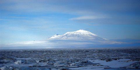 Winter, Ice, Freezing, Polar ice cap, Ice cap, Glacial landform, Horizon, Ocean, Snow, Glacier,