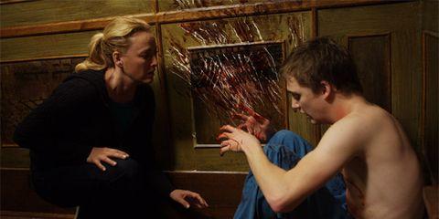Finger, Interaction, Organ, Wrist, Conversation, Thumb, Gesture, Flesh, Barechested,