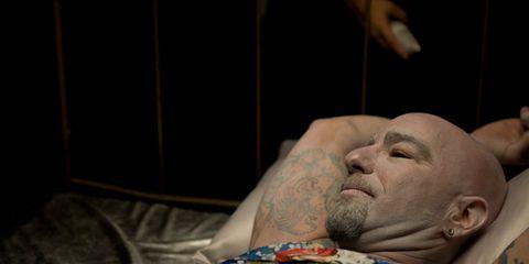 Facial hair, Tattoo, Flesh, Scar, Wrinkle,