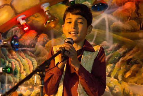 Microphone, Audio equipment, Music, Entertainment, Music artist, Singing, Performing arts, Song, Singer, Artist,