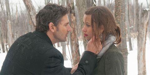 Winter, Mammal, Interaction, Beard, Gesture, Love, Facial hair, Conversation, Snow, Romance,