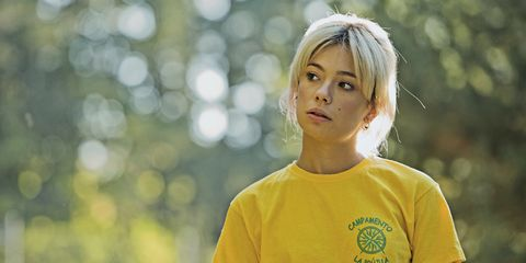 People in nature, Hair, Face, Yellow, Blond, Head, T-shirt, Beauty, Tree, Photography,