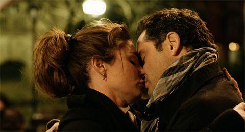 Ear, Interaction, Romance, Love, Conversation, Scene, Kiss, Hearing,