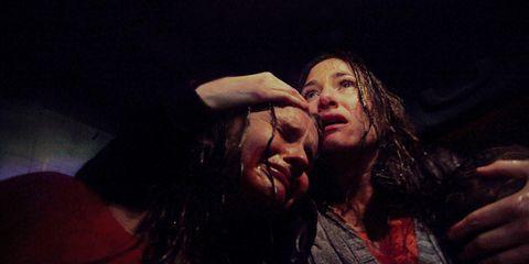 Lip, Interaction, Gesture, Darkness, Drama, Acting, Scene, Flesh,