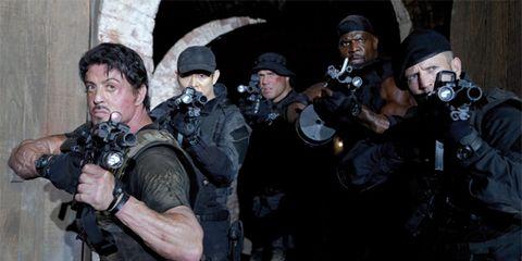 Military person, Firearm, Soldier, Headgear, Personal protective equipment, Ballistic vest, Swat, Law enforcement, Machine gun, Camera,