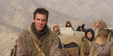 Face, Human, Winter, Soldier, Khaki, Tundra, Aeolian landform, Military uniform, Glove, Military person,