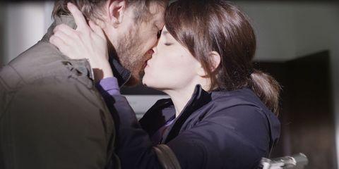 Ear, Lip, Cheek, Kiss, Mammal, Romance, Interaction, Organ, Love, Temple,
