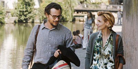 Face, Bag, Street fashion, Luggage and bags, Handbag, Beard, Shoulder bag, Belt,