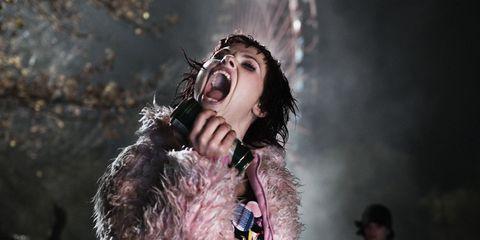 Entertainment, Music artist, Fashion, Singing, Singer, Song, Performance art, Pop music, Music venue, Fur,