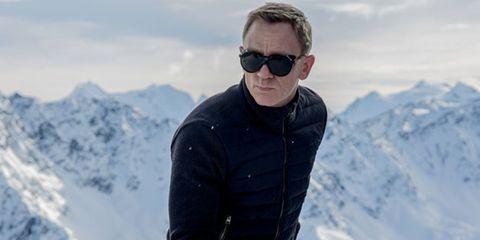 Eyewear, Winter, Vision care, Goggles, Mountainous landforms, Sunglasses, Snow, Mountain range, Glacial landform, Freezing,