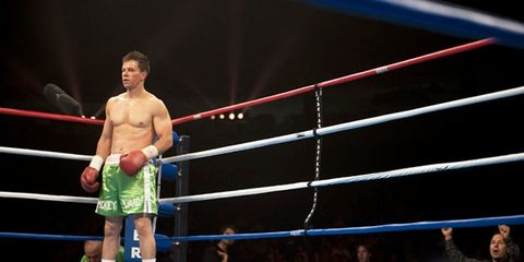 Sport venue, People, Human body, Entertainment, Combat sport, Competition event, Contact sport, Striking combat sports, Muscle, Shorts,