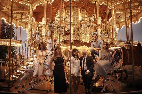 Carousel, Amusement ride, Amusement park, Park, Bicycle wheel, Fair, Horse, Carriage, Nonbuilding structure,