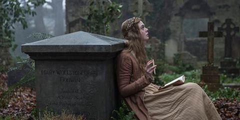 Grave, Headstone, Cemetery, Tree, Adaptation, Plant, Nonbuilding structure, Statue,