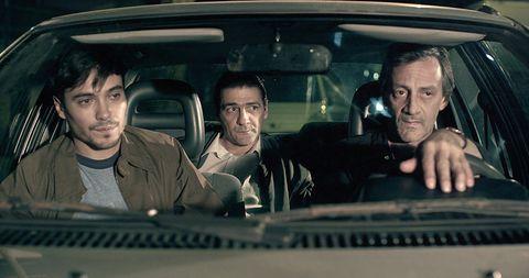Face, Head, Motor vehicle, Nose, Mouth, Eye, Mammal, Vehicle door, Glass, Car seat,