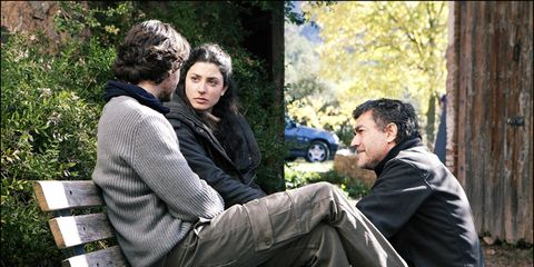 Head, Human, Sitting, Comfort, Interaction, Sharing, Outdoor furniture, Conversation, Lap, Outdoor bench,