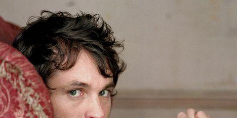 Hair, Facial hair, Cool, Arm, Chin, Beard, Human, Hand, Gesture, Black hair,