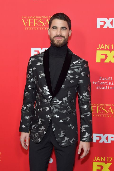 Suit, Clothing, Red, Premiere, Carpet, Facial hair, Red carpet, Hairstyle, Formal wear, Fashion,