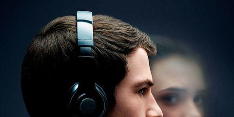 Headphones, Audio equipment, Gadget, Ear, Headset, Organ, Hearing, Technology, Electronic device, Eye,
