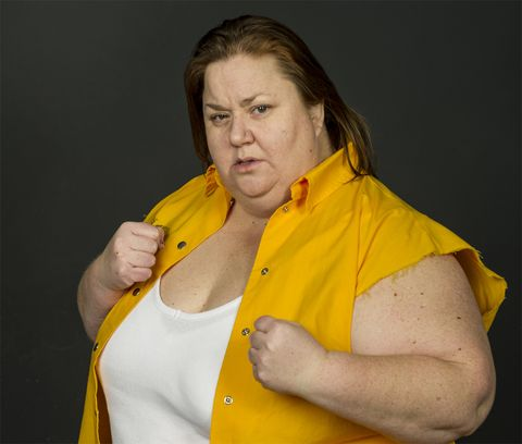 Yellow, Arm, Shoulder, Muscle, Neck, Joint, Outerwear, Human body, T-shirt, Elbow,