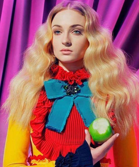 Hair, Pink, Hair coloring, Beauty, Blond, Lip, Doll, Hairstyle, Long hair, Fashion,