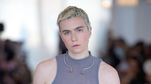 Hair, Face, Eyebrow, Fashion, Blond, Hairstyle, Beauty, Lip, Forehead, Skin,