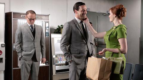 White-collar worker, Suit, Formal wear, Event, Businessperson, Job, Gesture, Conversation, Employment,