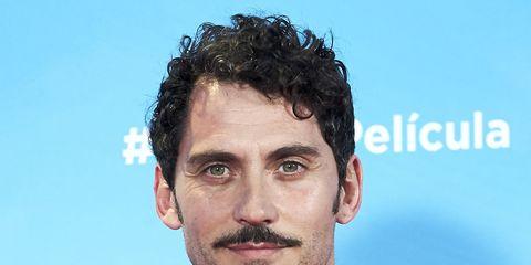 Hair, Chin, Facial hair, Hairstyle, Forehead, Moustache, Human, White-collar worker, Beard,