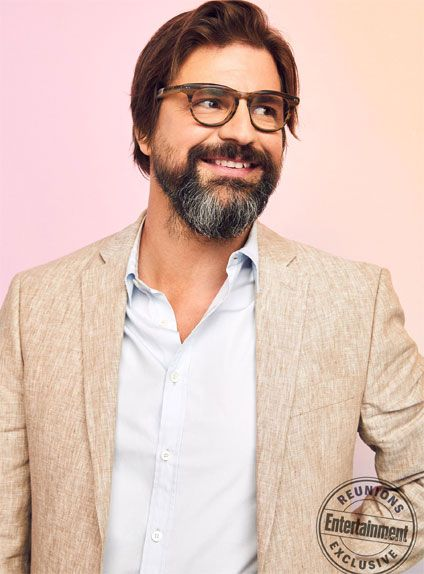 Facial hair, Hair, Beard, Moustache, Eyewear, Chin, Yellow, Hairstyle, Glasses, Cool,