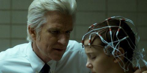 Human, Forehead, Headgear, Grandparent, Ear,