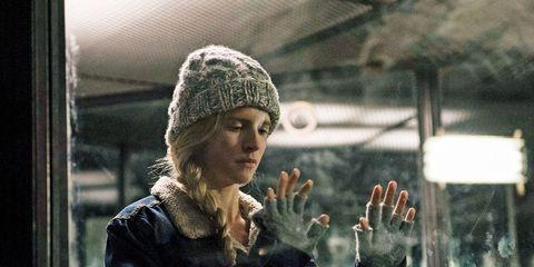 Winter, Knit cap, Beanie, Bonnet, Street fashion, Gesture, Woolen, Glove, Wool,