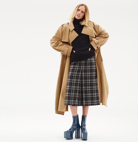 Clothing, Brown, Plaid, Sleeve, Tartan, Collar, Textile, Standing, Coat, Joint,
