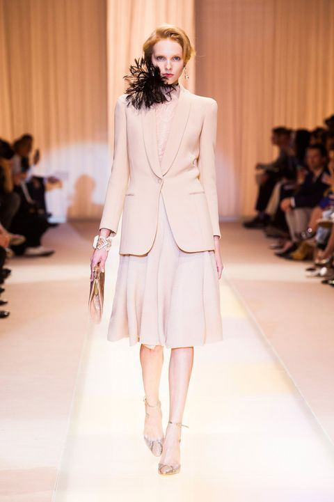 Fashion show, Event, Shoulder, Runway, Joint, Fashion model, Outerwear, Style, Beauty, Fashion,