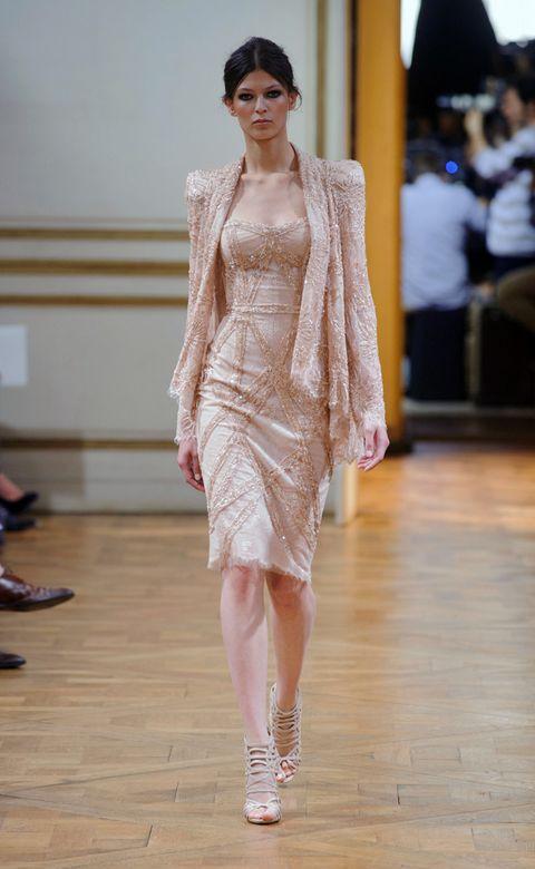Shoulder, Joint, Dress, Style, One-piece garment, Fashion show, Fashion model, Floor, Fashion, Neck,