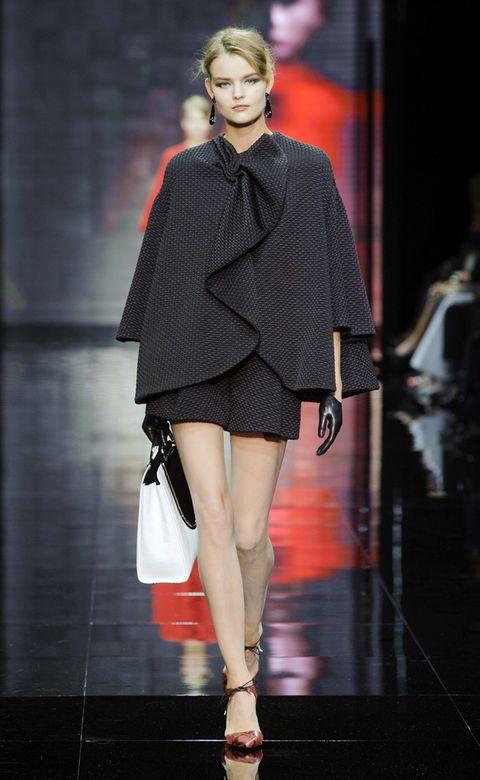 Clothing, Shoulder, Human leg, Joint, Outerwear, Fashion show, Style, Fashion model, Dress, Runway,