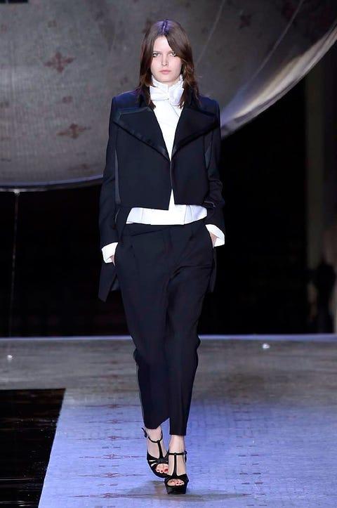 Sleeve, Collar, Joint, Outerwear, Style, Fashion show, Formal wear, Fashion model, Blazer, Fashion,