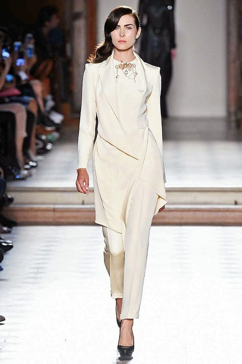 Clothing, Fashion show, Shoulder, Runway, Outerwear, Fashion model, Style, Fashion, Neck, Model,